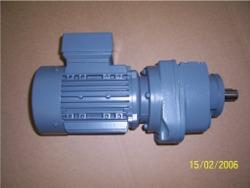 AC-Getriebemotoren 0,18 - 0,5 kW  3 x 24 / 42 Volt